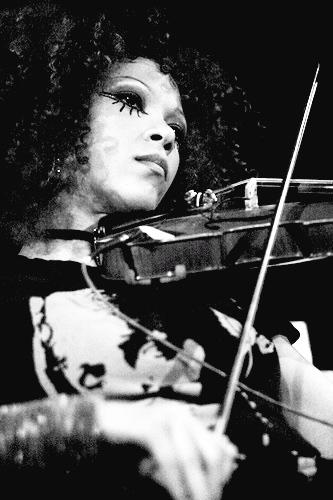 Imani coppola violin